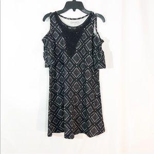 NWOT BLACK & WHITE FLORAL COLD SHOULDER DRESS